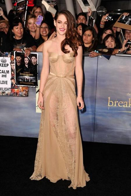 Krsiten Stewart pone a la venta su vestido para el huracán Sandy.