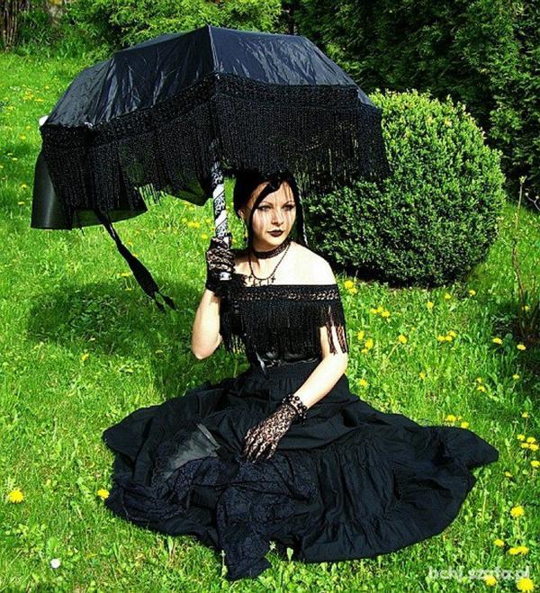 Dames à l'ombrelle