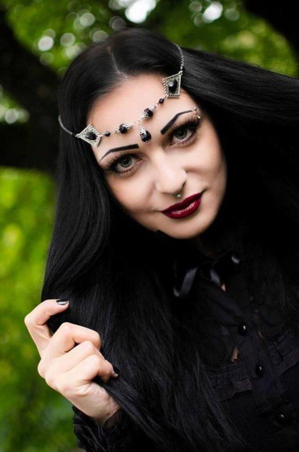 Dames goths : portraits