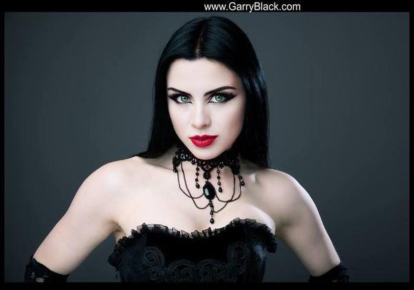 Lady Kat Eyes : modèle goth
