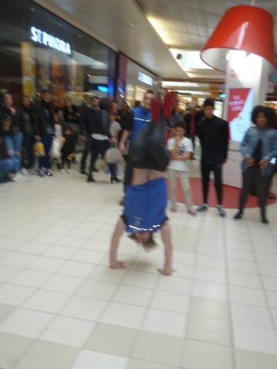Pause breakdance où je n'ai pas pu m'empêcher d'échanger quelques pas !