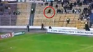 Un fantôme filmé lors d'un match de football en Bolivie …