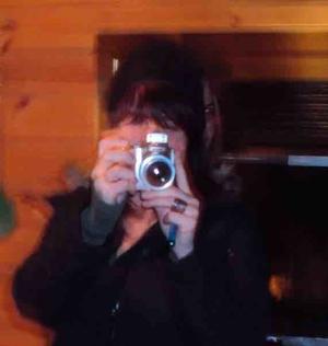 Un fantôme démoniaque apparaît sur un selfie !
