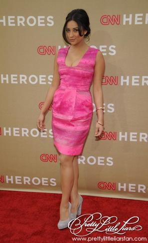 Shay Mitchell au CNN Heroes All-Star Tribute dans LA