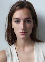 Joséphine Le Tutour, mannequin français