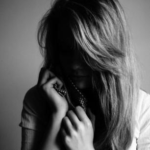 Chaque homme a dans le coeur un vide, une entaille, un sentiment d'abandon et de solitude ...