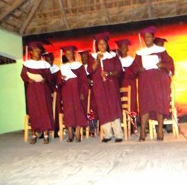 Haïti – Communication : La Référence Institut de Journalisme et de Communication pose sa première pierre, 12 aspirants journalistes gradués