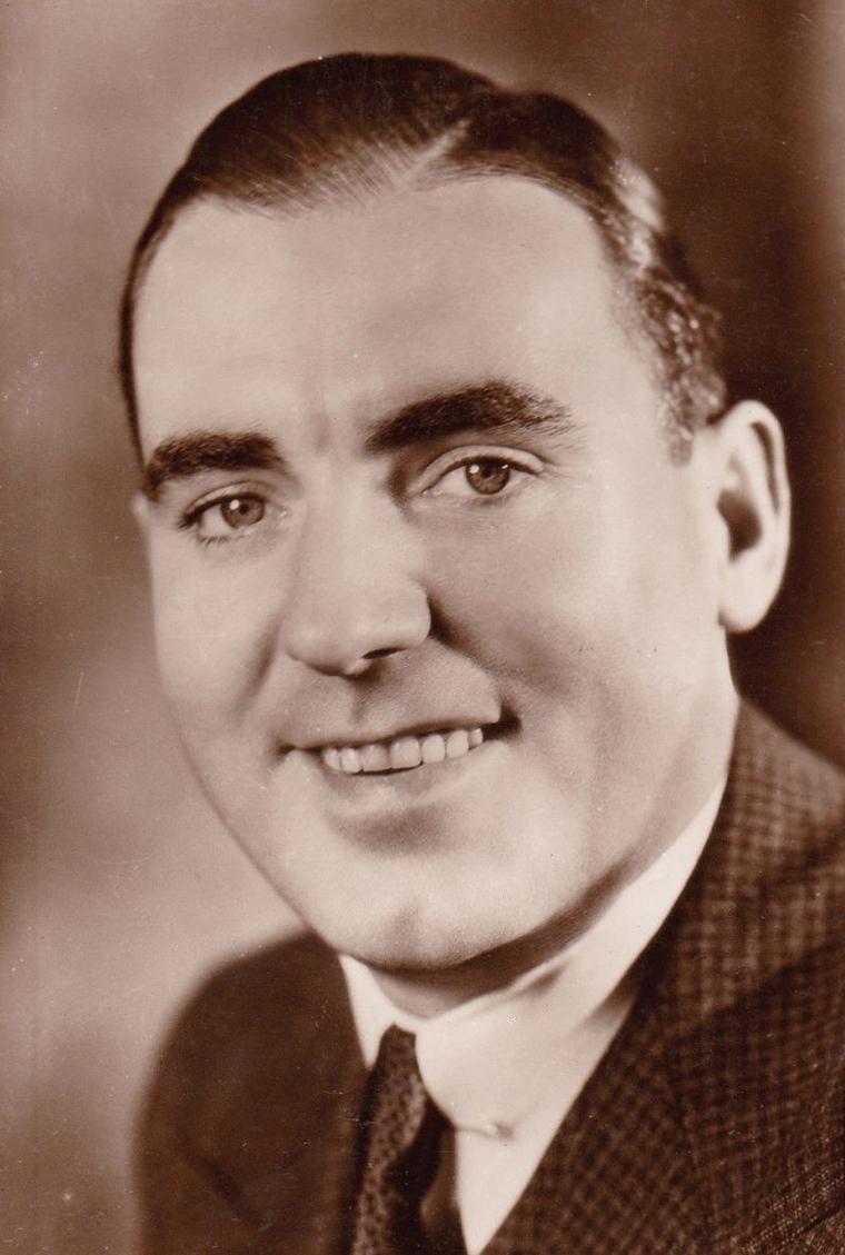 Pat O'BRIEN