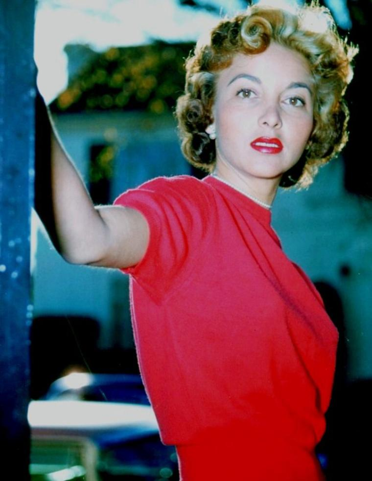 Beverly GARLAND (Born : Beverly Lucy FESSENDEN,  October 17, 1926 in Santa Cruz, California, USA,  Died : December 5, 2008 (age 82) in Hollywood Hills, Los Angeles, California, USA)