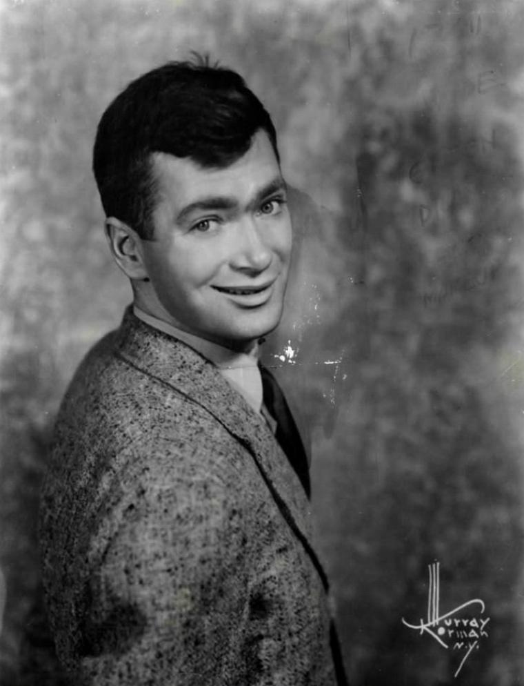 "Buddy EBSEN (Born : Christian Rudolph EBSEN Jr.,  April 2, 1908 in Belleville, Illinois, USA,  Died : July 6, 2003 (age 95) in Torrance, California, USA)  Height : 6' 3½"" (1,92 m)"
