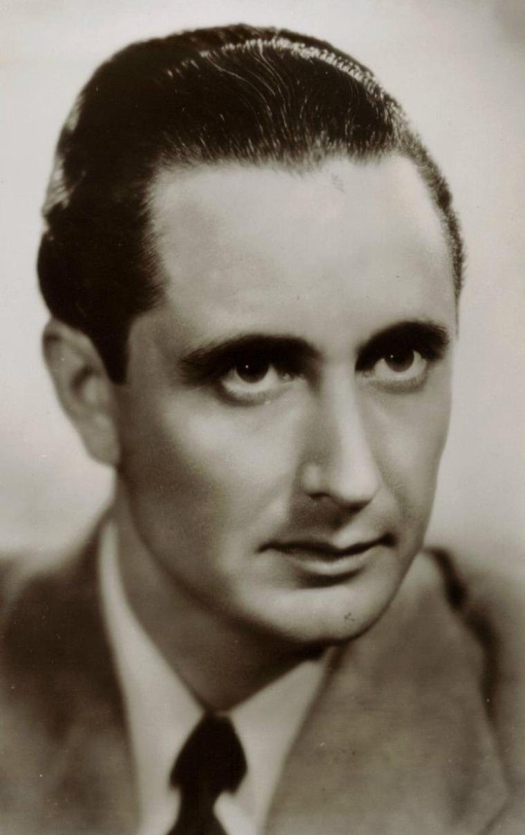 "Nino MARTINI (Born : August 8, 1905 in Verona, Veneto, ITALY,  Died : December 9, 1976 (age 71) in Verona, Veneto, ITALY)  Height : 5' 10"" (1,78 m)"