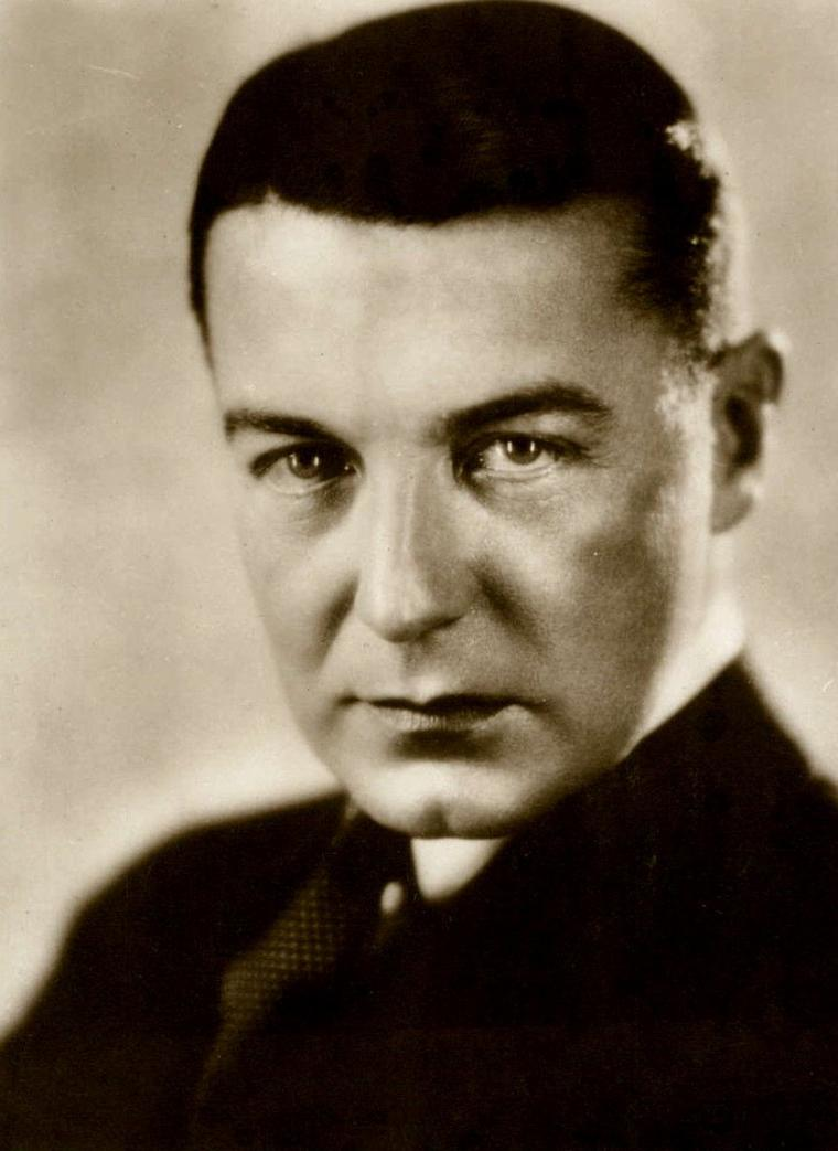 "Clive BROOK (Born : Clifford HARDMAN BROOK,  June 1, 1887 in London, ENGLAND, UK,  Died : November 17, 1974 (age 87) in London, ENGLAND, UK)  Height : 5' 11"" (1,80 m)"