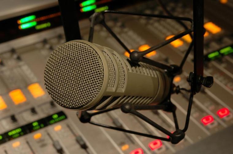 """Frère Mercisse Dans quelque jours passera à la Radio Africaine Congo Brazza et Congo Kinshasa Pour Son Maxi Single """"Chemin de la vérité"""" Qui sortira en 2014/2015 Fr Mercisse au Radio très bientôt."""