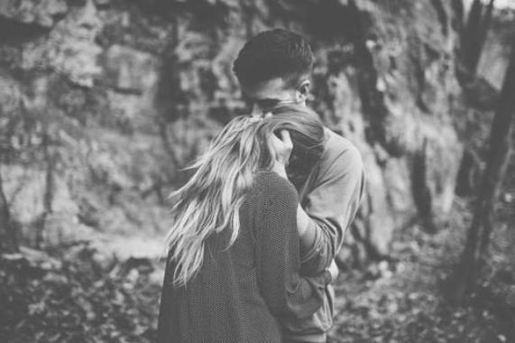 """""""Quel dommage de rencontrer une personne aussi fantastique que toi, à cet âge, dans lequel rien ne dure."""""""