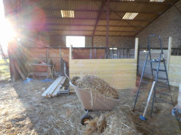 * 26 Décembre 2015 * Construction des Boxes pour Ponies *