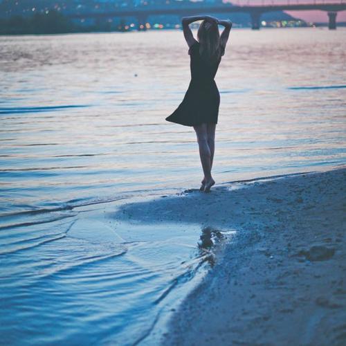 Tu ne sauras jamais la chance que tu as de pouvoir passer le restant de tes jours avec la moitié de ton âme, tant que tu n'auras pas à vivre sans elle.