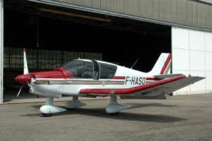 C'est pas trop un truc de fille, mais depuis que mon père est passioné par l'aviation, je m'y suis m'y aussi