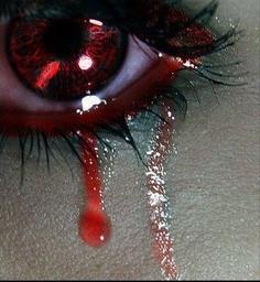 Ceux qui savent pleurer ont les plus beaux yeux du monde .