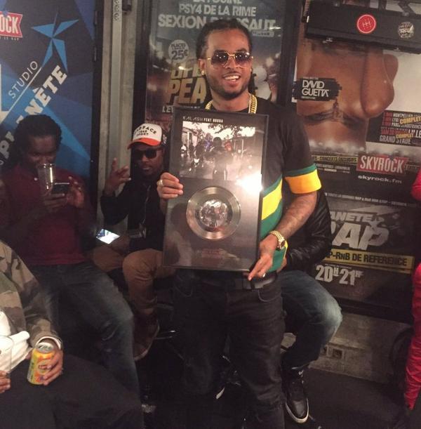 Kalash reçoit son single de platine !