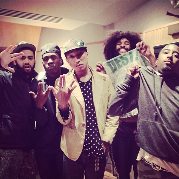Pharrell en studio avec ... - 24 juin 2013
