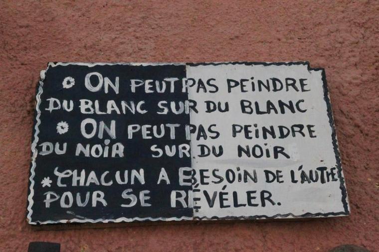PETITE  PENSÉE, MAIS  OH  COMBIEN  GRANDE  POUR  UNE  HUMANITÉ  HARMONIEUSE...
