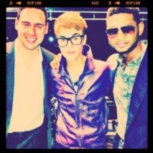 Justin, fashion out night