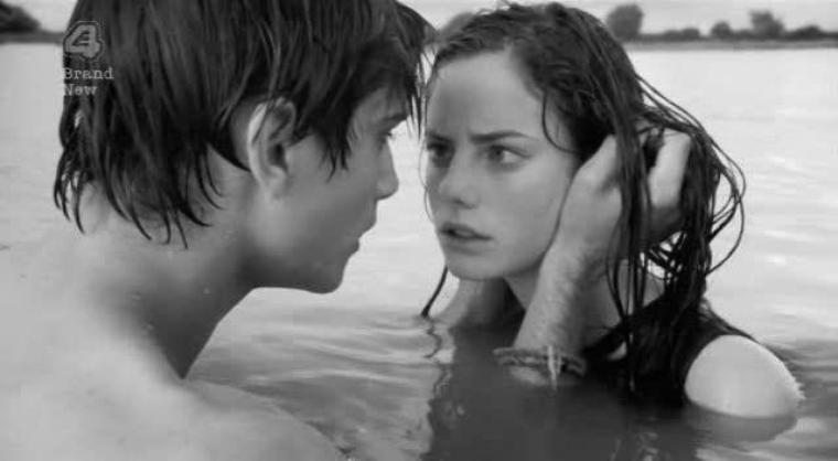 Je t'aime depuis le début, Je t'aime depuis que nos regards se sont croisés, Je t'aime comme une folle. ♥