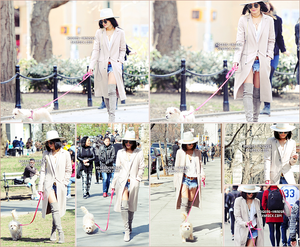 . •16 Avril 2015• Vanessa est allée promener sa chienne (Darla) à Washington Square Park à New York.  .