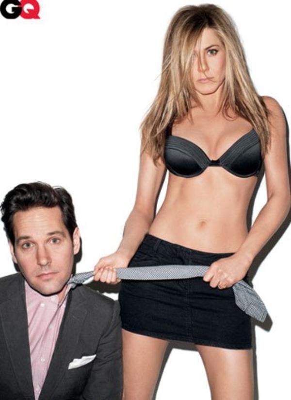 Jennifer Aniston: elle pose en soutien-gorge pour le magazine GQ