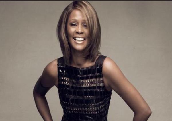 Whitney Houston: Qui était avec elle le soir de sa mort ?