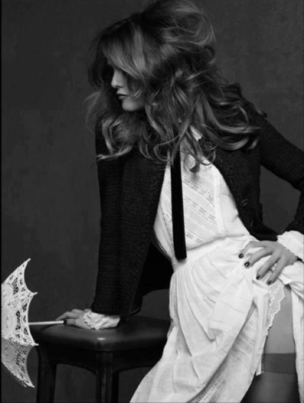 Vanessa Paradis: Elle prend la pose avec Sarah Jessica Parker a la Fashion Week de Tokyo