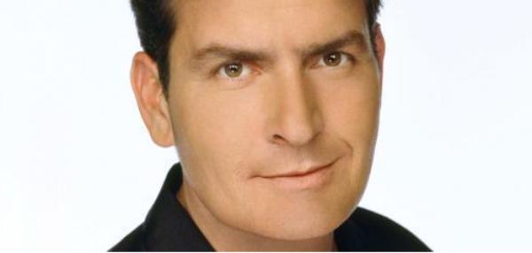 """Charlie Sheen """"embarrassé"""" par ses frasques médiatisées de l'année dernière"""
