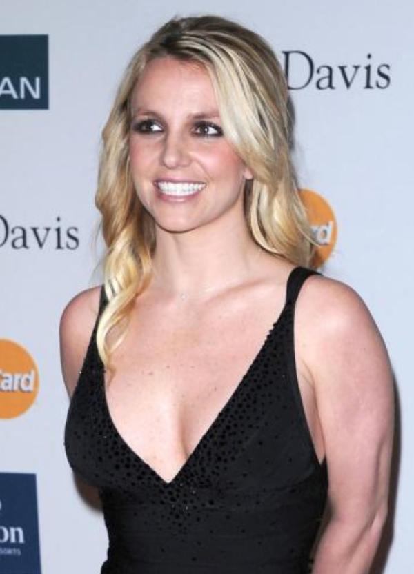 """Britney Spears: Elle va être juge sur """"X Factor"""" contre 15 millions de dollars"""
