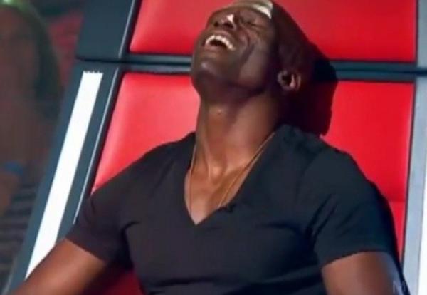 Seal: Il mime une masturbation en direct sur The Voice Australie !