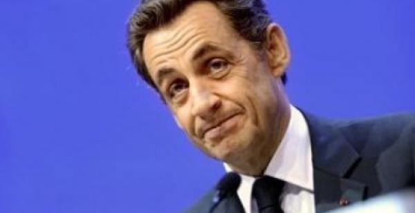 Le site internet de l'aéroport de Tahiti annonce la fausse mort de Nicollas Sarkozy