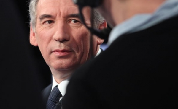 """François Bayrou: """"Je ne donnerai pas de consigne générale de vote"""" mais """"Je ne voterai pas blanc. Reste le vote de François Hollande que je ferai."""""""