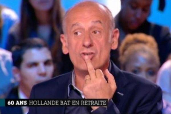 Jean-Michel Aphatie: Il fait un doigt d'honneur en live du Grand Journal !