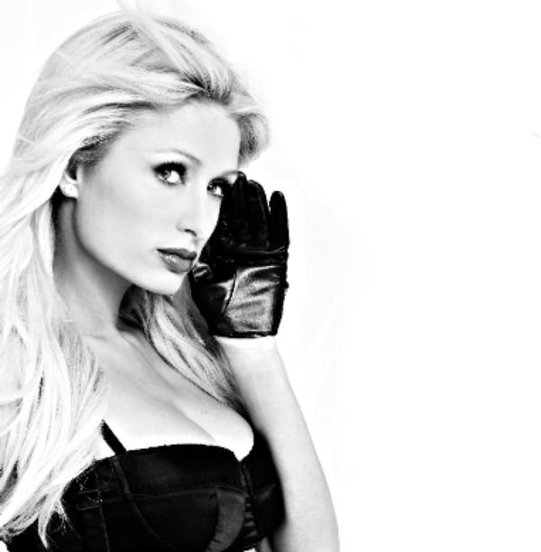 (Vidéo) Paris Hilton : Elle a fait ses débuts de DJ !