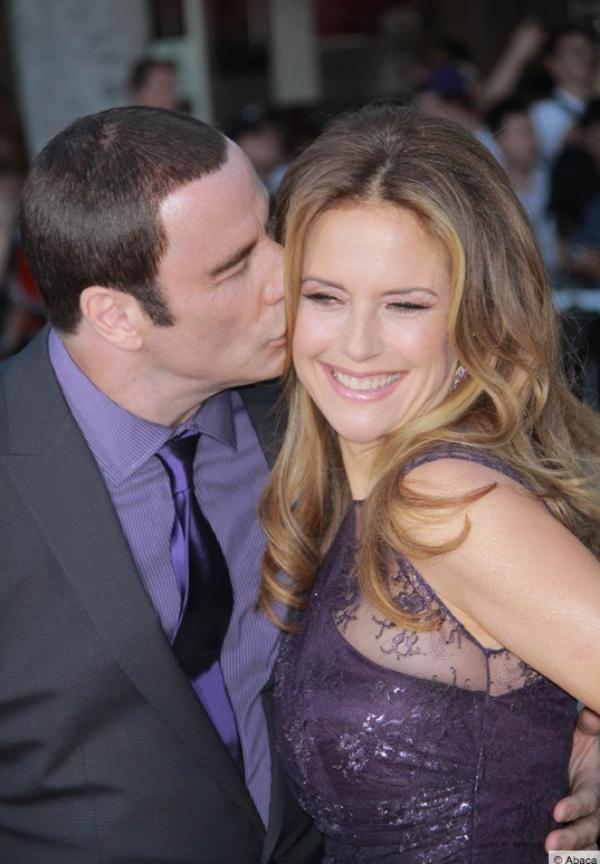 Photos : John Travolta : en plein scandale, il joue la carte de l'unité et de l'amour avec Kelly Preston !