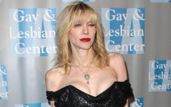 (Photos) Courtney Love s'en prend à Lana Del Rey à cause de Nirvana