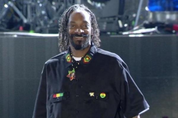 """(Vidéo)  Snoop Dogg: Découvrez Les premières images de son documentaire  """"Reincarnated"""" tourné en Jamaïque"""