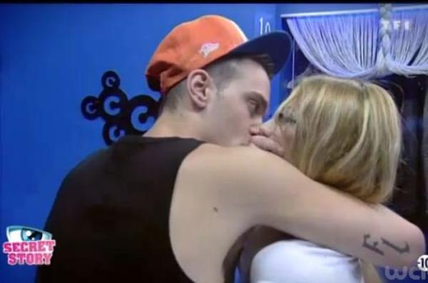 Secret Story 6 : Julien et Fanny ont couché ensemble ! La copine de Julien balance tout !
