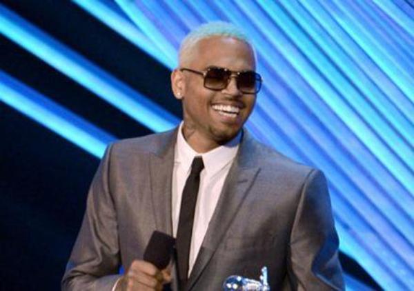 Chris Brown : En cadeau de rupture, il offre une maison à Karrueche Tran