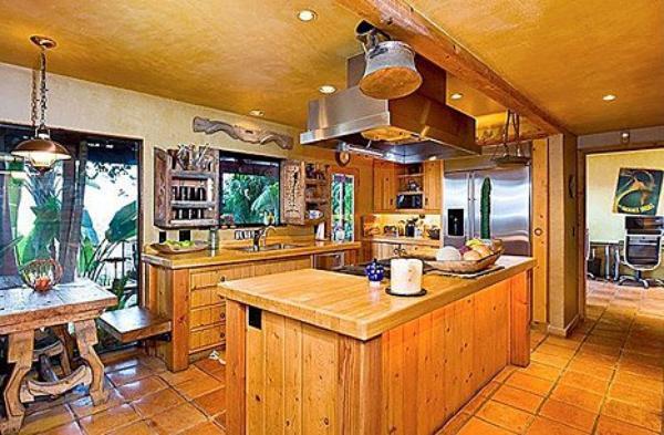 ( Photos)  Kristen Stewart : Découvrez les photos de sa nouvelle maison située à coté de chez Robert Pattinson