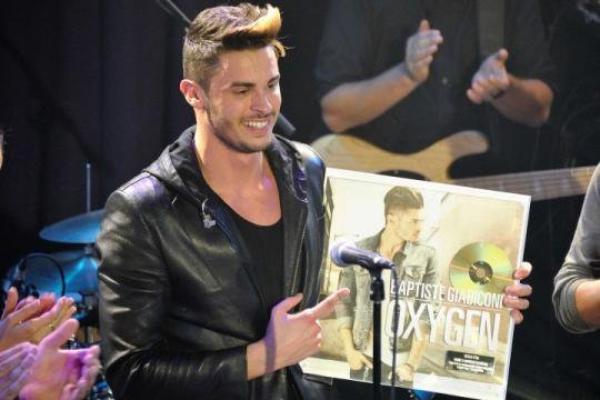 Baptiste Giabiconi : On l'accuse d'avoir acheté en grande quantité son propre disque