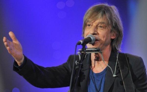 Jean-Louis Aubert : Il règle ses comptes avec l'ex bassiste de téléphone, Corinne Marienneau !