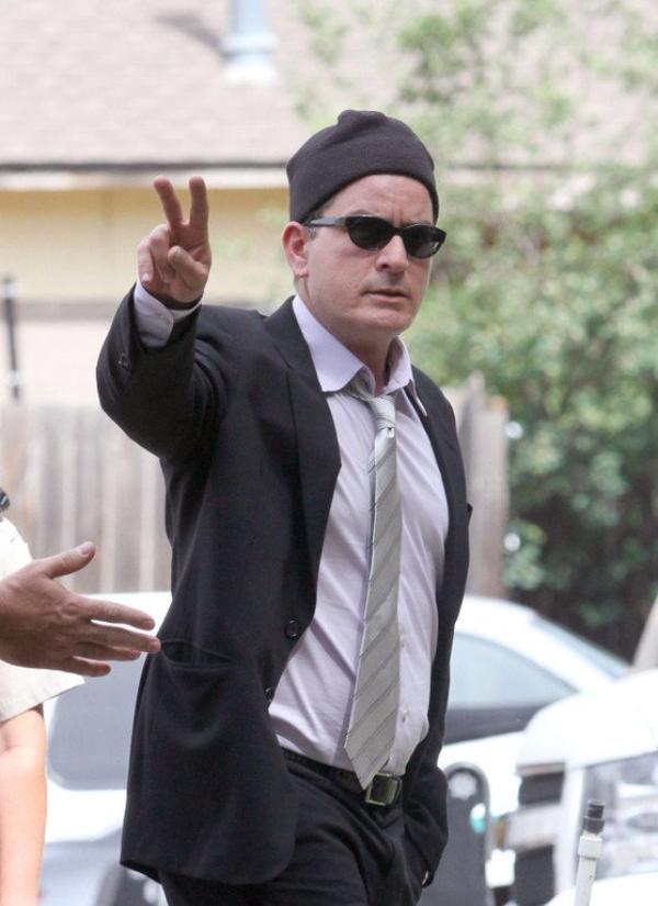 """Charlie Sheen  : Selon """"RadarOnline"""" l'acteur serait rtombé dans la drogue"""