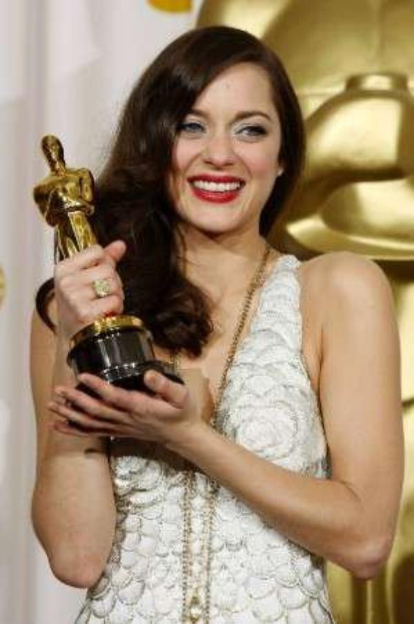 Marion Cotillard: Elle va jouer Jeanne d'Arc en direct sur internet