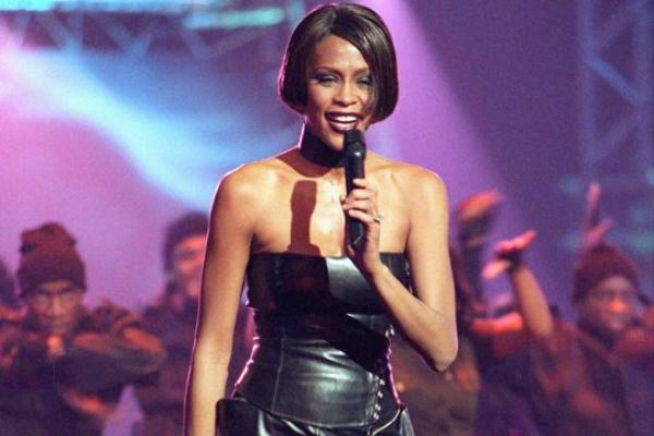 Whitney Houston : La méga star aurait été assassinée !