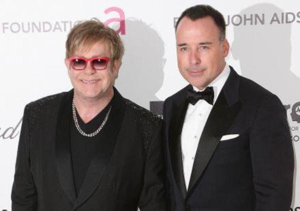 Elton John.: Papa pour seconde fois